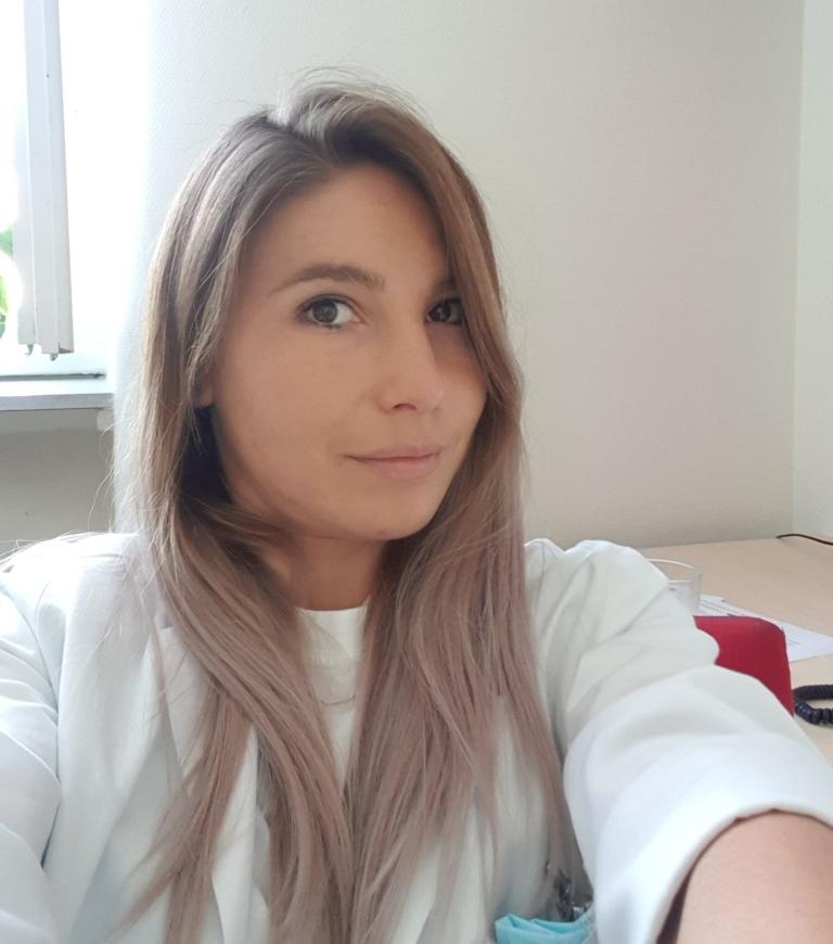 h Dr. Alexandra Popa